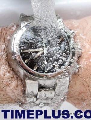 100902_waterproof_watch