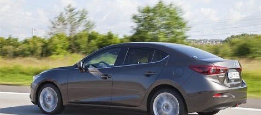 Mazda3-седан