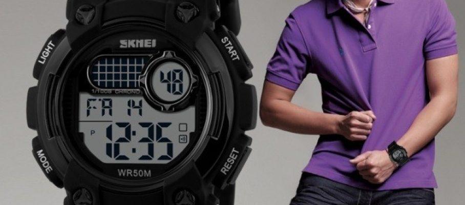 dg-1054-man-watches